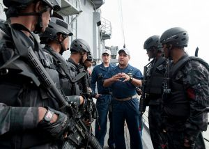 800px-US_Navy_110921-N-HA376-268_Lt._j.g._David_Zicarelli,_assigned_to_the_guided-missile_frigate_USS_Ford_(FFG_54),_debriefs_Bangladesh_Navy_Special_War