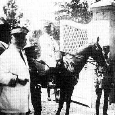 General Gouraud entering Prince Feisal I's palace in Damascus, officially ousting him, 1920.