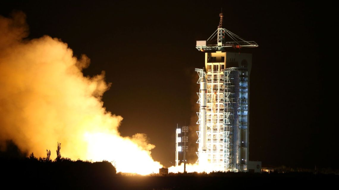 chinese-quantum-satellite-rocket.jpg